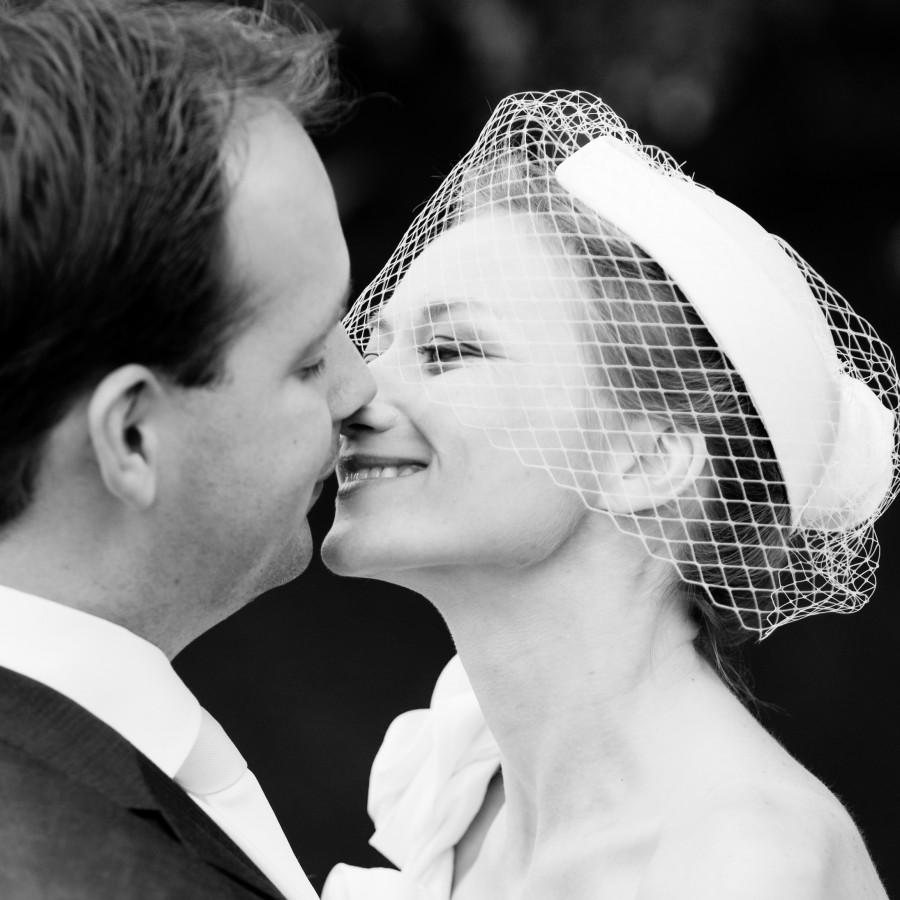 trouw, huwelijk, kus  paly.be opglabbeek limburg fotografie communie lentefeest huwelijk model